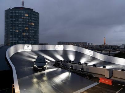 Un circuito de velocidad en el cielo de París.