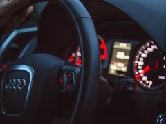 ¿Cuál es la marca y el modelo de coche mejor valorado por los internautas?