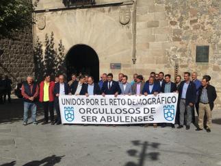 Paro por la España Vaciada ante la Diputación de Ávila.
