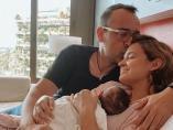 Laura Escanes y Risto Mejide con su hija Roma