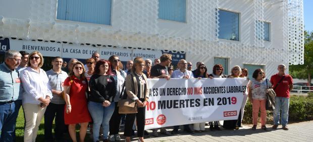 Concentración contra la siniestralidad laboral organizada por CCOO y UGT en Albacete