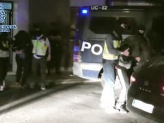 Los dos detenidos por la Policía Nacional.