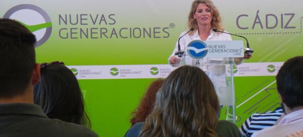La presidenta del PP de Cádiz, Ana Mestre, en la clausura este domingo de la convención de Nuevas Generaciones de la provincia.