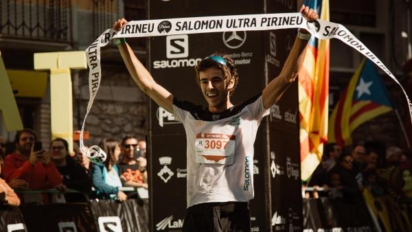Jan Margarit cruza victorioso la línea de meta de la Sky Pirineu