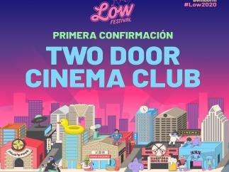 Cartell anunciador del Low Festival amb Two Door Cinema Club ja confirmats per a l'estiu de 2020.