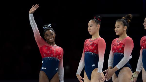 Simone Biles, con el equipo de EE UU de gimnasia artística