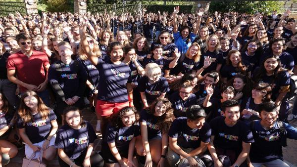 Alumnos nacionales e internacionales que participan en un programa de ayuda a la integración en la Universidad de Málaga