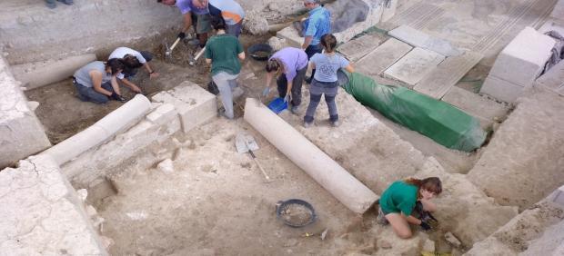 Trabajos arqueológicos en Villa Romana de Salar,  en el verano de 2019