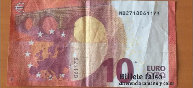 Billetes de 10 euros (uno auténtico y otro falso)