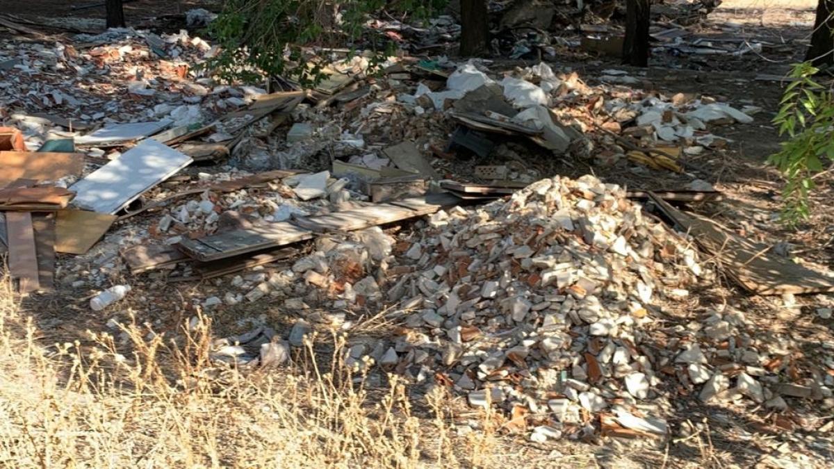 Los vertidos ilegales proliferan en Madrid por la falta de escombreras