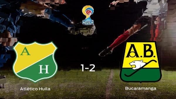 El Atlético Bucaramanga deja sin sumar puntos al Atlético Huila (1-2)