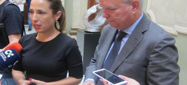 La alcaldesa de Santa Cruz de Tenerife, Patricia Hernández y el consejero de Obras Públicas y Transportes, Sebastián Franquis