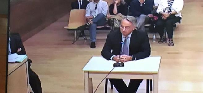 Vicente Sala fill declara davant el juí per l'assassinat de la seua mare.