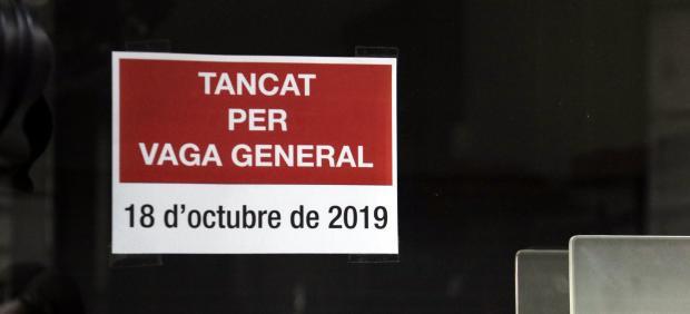 Cierre de comercios por la huelga en Cataluña