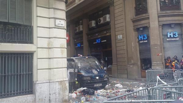 Tensión en la sede la Jefatura de Policía de Barcelona
