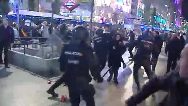 Cargas en Madrid a radicales independentistas