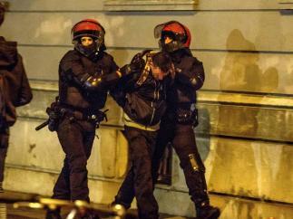 Detenido por los altercados en un acto de Voz en Bilbao