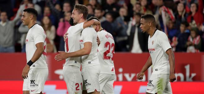 El Sevilla gana al Levante con gol de De Jong