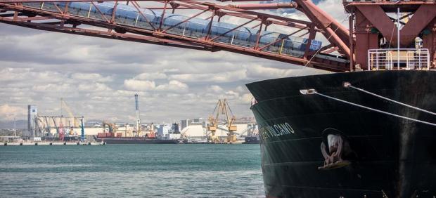 Vaixell al Port de Tarragona
